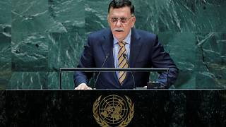 السراج يندد بتدخل الإمارات ومصر وفرنسا في شؤون ليبيا