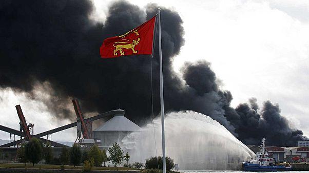 """France : l'Incendie dans l'usine de Rouen est """"maîtrisé"""""""