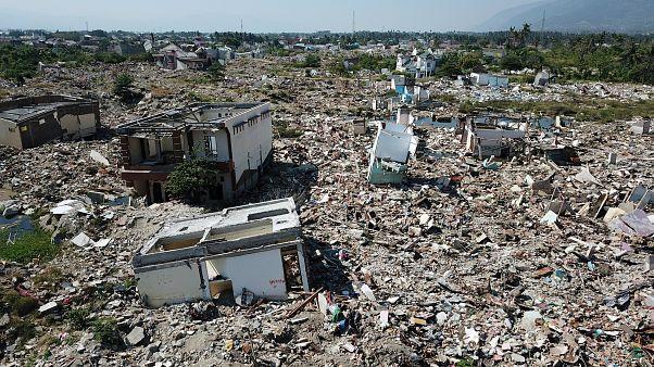 اندونزی یک سال پس از زلزلهای با هزاران کشته و آواره دوباره لرزید