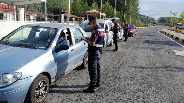 Özel araçta sigara içen 5 bin kişiye ceza: Hangi ülkelerde aynı yasak uygulanıyor?