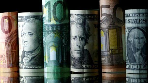 رشد پلکانی نرخ دلار؛ شکاف نرخ جهانی و رسمی یورو از ۲۰۰ تومان گذشت