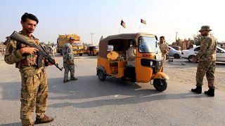 Afganistan'da seçim önlemi: 100 bin güvenlik görevlisi sandıkların başında