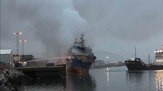 В Норвегии сгорел российский траулер