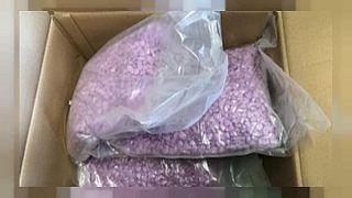 500 bin euro değerinde uyuşturucu hapı 'yanlış adrese' gönderildi