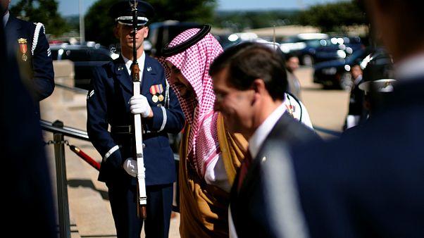 مارک اسپر، وزیر دفاع آمریکا و خالد بن سلمان، معاون وزیر دفاع عربستان سعودی