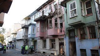 26 Eylül 2019'da meydana gelen depremde hasar gören 3 bina