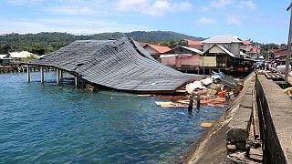 Endonezya'yı vuran 6.5 büyüklüğündeki depremde ölü sayısı 23'e çıktı