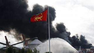 فرنسا تعلن إخماد حريق مصنع المواد الكيميائية في مدينة روان