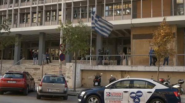 شاهد: تفكيك عصابة لبيع الأطفال في اليونان
