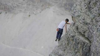 Dolomiti da record: 46 minuti per scalare a mani nude la Cima Grande