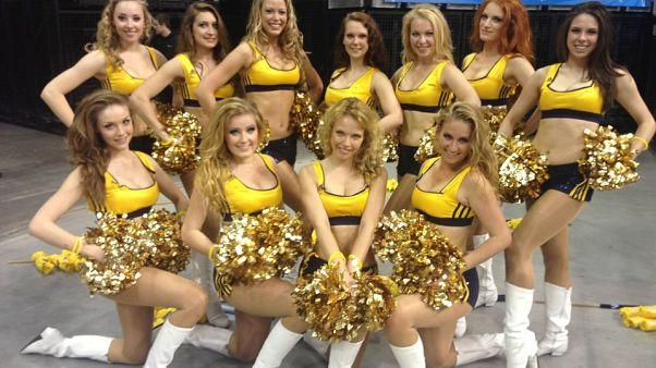 "Symbolbild: Cheerleading-Team ""Albadancers"""