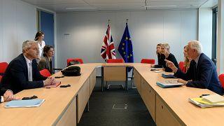 El secretario británico del Brexit Stephen Barclay con el negociador jefe de la Unión Europea, Michel Barnier en Bruselas, el 27 de septiembre de 2019.