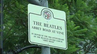 """شاهد: هوليود تحتفل بالذكرى الخمسين لألبوم """"The Beatles' Abbey Road"""""""