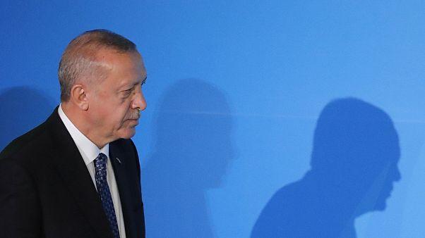 Reuters: Erdoğan'ın partisinde üye sayısı giderek azalırken, muhalifler artıyor; güç kaybı sürecek
