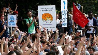 راهپیمایی دانشآموزان در لوزان سوئیس در اعتراض به تغییرات آب و هوایی