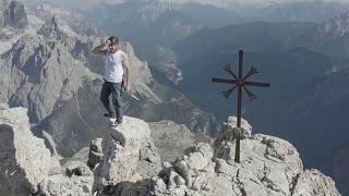 Dolomiten: Dani Arnold unterbietet Rekord im Free Solo Speed um 19 Minuten