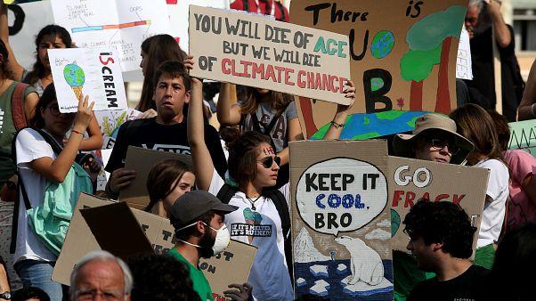 Οι νέοι κατά της κλιματικής αλλαγής: Αλλάξτε το σύστημα, όχι το κλίμα