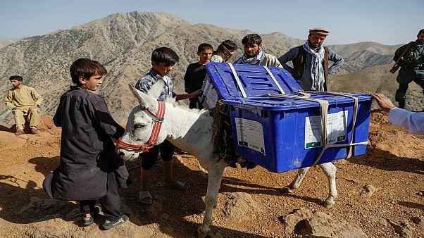 عملية تنظيم الإنتخابات في أفغانستان