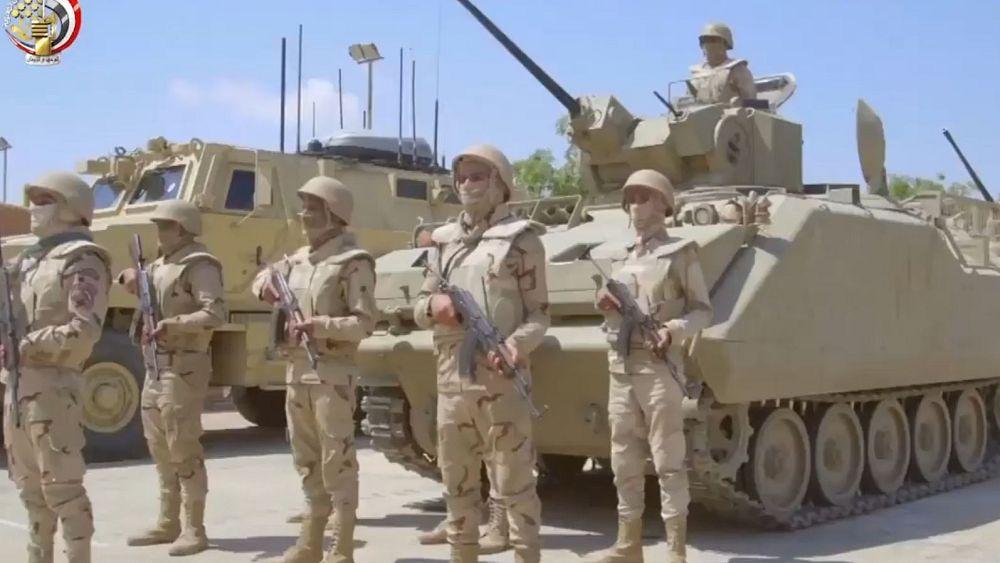 الجيش المصري يعلن مقتل عسكري وإصابة عدد آخر بينهم ضابط خلال مداهمة  بؤر إرهابية    Euronews