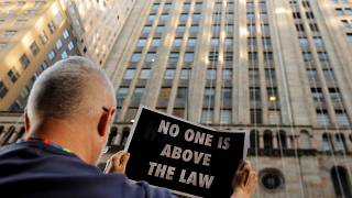 Pompeo citado a declarar en el juicio político a Trump