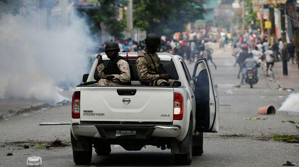 ناآرامیها در هائیتی؛ پلیس به سمت معترضان گاز اشکآور شلیک کرد