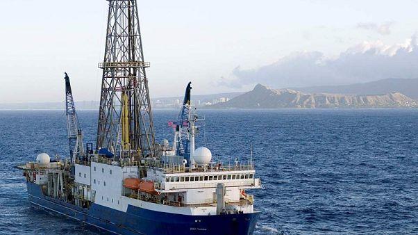 Σαντορίνη: Υποθαλάσσιες ερευνητικές γεωτρήσεις για το ηφαίστειο