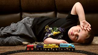 Sezaryen doğum ile otizm arasında bağ var mı?