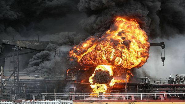 کره جنوبی؛ ۹ زخمی در پی آتش گرفتن دو تانکر نفتی در بندر اولسان