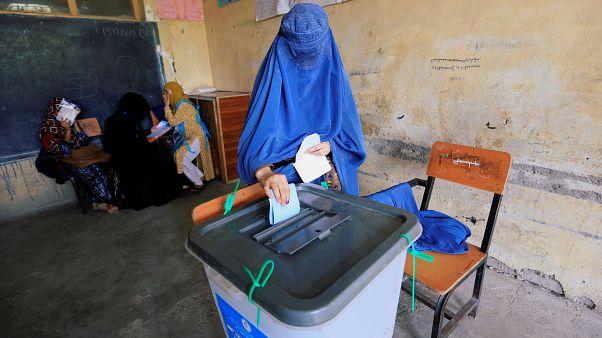 Afganistan'da cumhurbaşkanlığı seçimleri: 901 seçim merkezinden bilgi alınamıyor