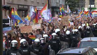 Гей-парад под охраной полиции