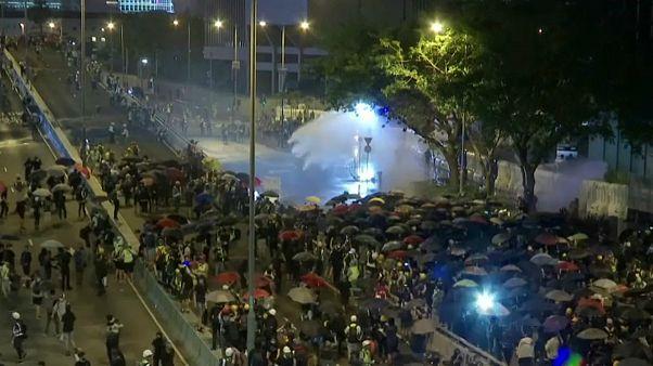 درگیری پلیس با تظاهرکنندگان در هنگ کنگ