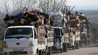 سوريون يعيشون في أطمة قرب الحدود.. وحلم اللجوء إلى تركيا