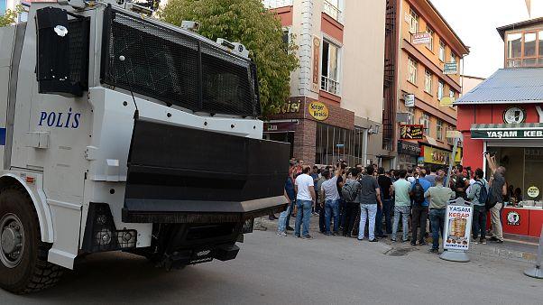 Tunceli'de HDP'li 8 parti yöneticisine gözaltı