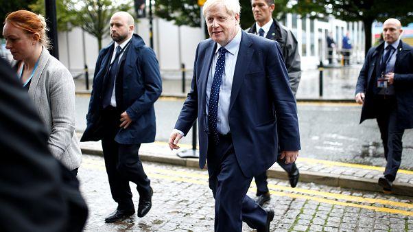 Brexit: il premier Johnson contestato a Manchester