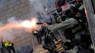 Egész hétvégén lángokban áll Hongkong
