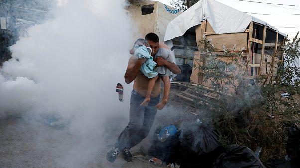 Μόρια: Μητέρα και το παιδί της νεκροί σε πυρκαγιά - Έκρυθμη η κατάσταση
