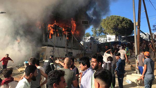 Moria, incendio non doloso: le donne chiedono giustizia per i loro morti
