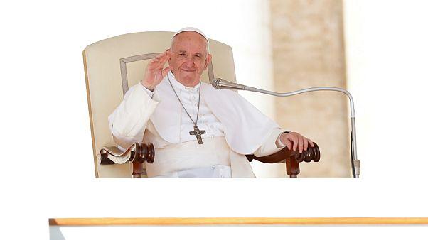 پاپ: تولید کنندگان سلاح باعث جنگ میشوند اما مهاجران را نمیپذیرند