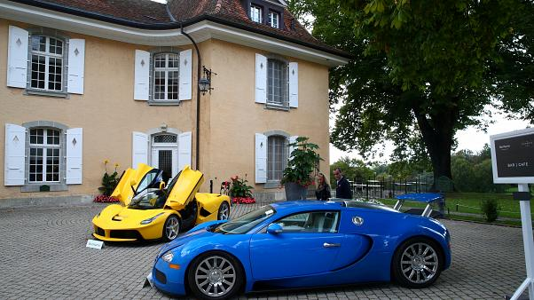 سيارتين معروضتين في المزاد العلني من مجموع السيارات التي كان يملكها تيودورو أوبيانغ، نجل رئيس غينيا الاستوائية