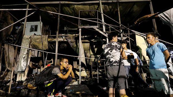 Grecia: migranti appiccano il fuoco al campo di Lesbo, ci sono vittime