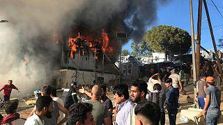 حریق و شورش در اردوگاه پناهجویان لسبوس دو کشته بر جای گذاشت