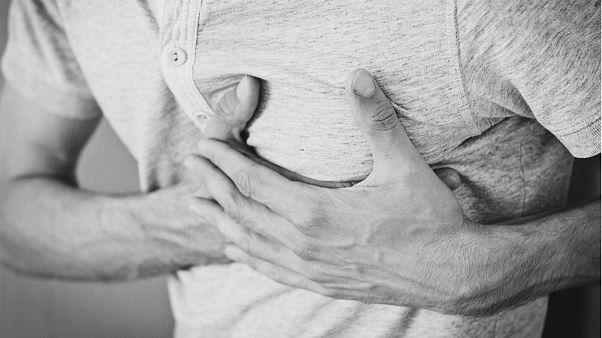 نتایج یک تحقیق علمی: کمخوابی و پرخوابی خطر سکته قلبی را افزایش میدهد