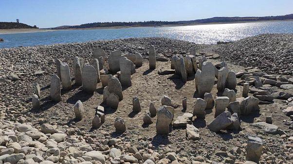 İspanya'da baraj inşasıyla su altında kalan tarihi kalıntılar, aşırı kuraklıkla gün yüzüne çıktı