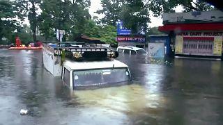 Chuva provoca mais de 100 de mortos e inundações na Índia