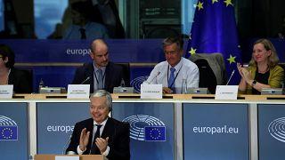 Továbblépne a Magyarország elleni eljárásban Reynders