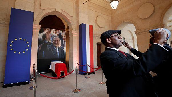 Fransa: Jacques Chirac'ın naaşıyla selfie çektirenlere saygısızlık suçlaması