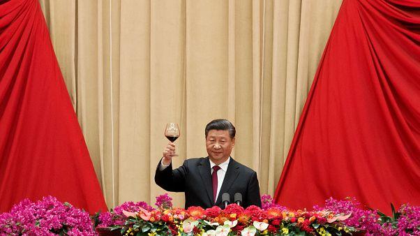 """هونغ كونغ: الرئيس الصيني يتعهد بالحفاظ على """"دولة واحدة بنظامين"""""""