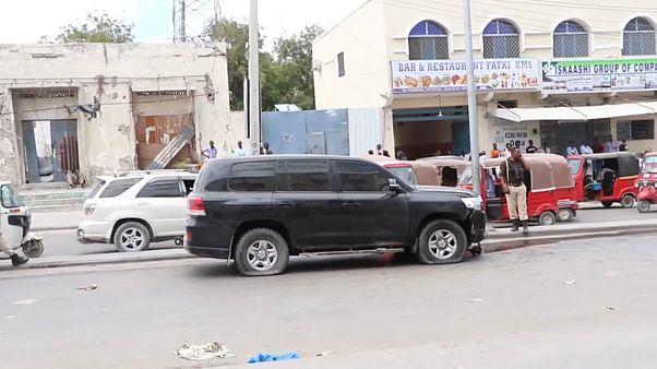 هجوم مزدوج على قاعدة أميركية ورتل عسكري إيطالي في الصومال
