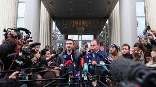 Marche arrière de la justice russe : peine de sursis pour Pavel Oustinov