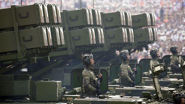 قدرت نمایی چین در مراسم رژه نظامی به مناسبت هفتادمین سالگرد برپایی حکومت کمونیستی